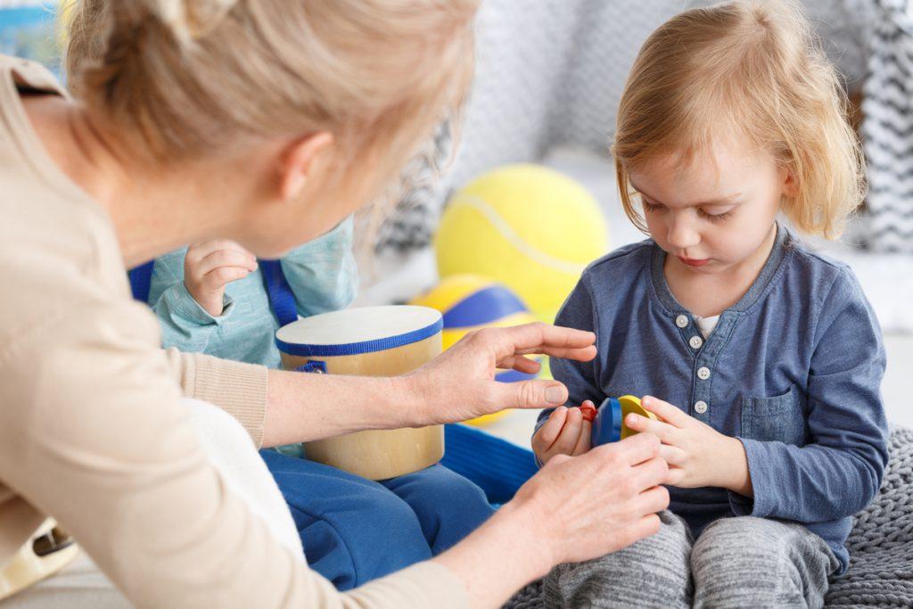 rédiger un avenant pour une assistante maternelle